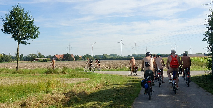 Nude bike tour in the Münsterland